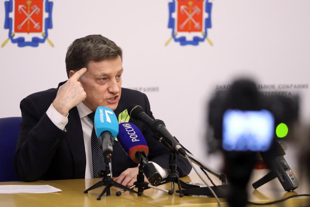 """фото ЗакС политика """"Можно перейти к буйному помешательству"""": Макаров прокомментировал творчество Manizha"""