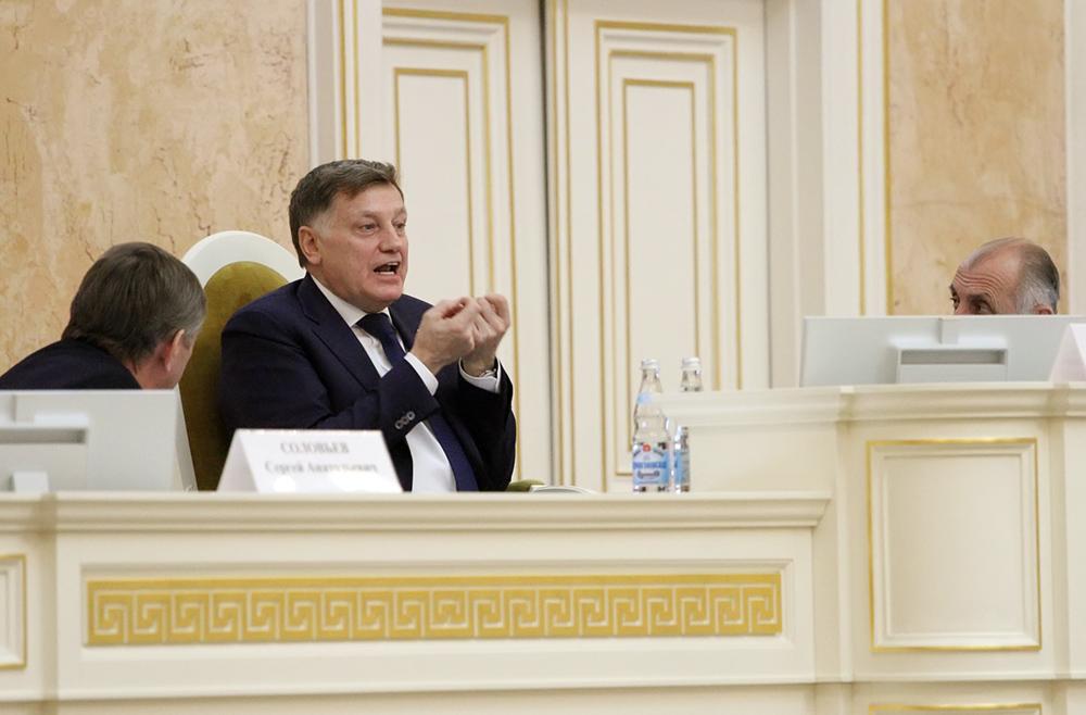 Макаров сравнил Навального с Гапоном, Гитлером и Пол Потом