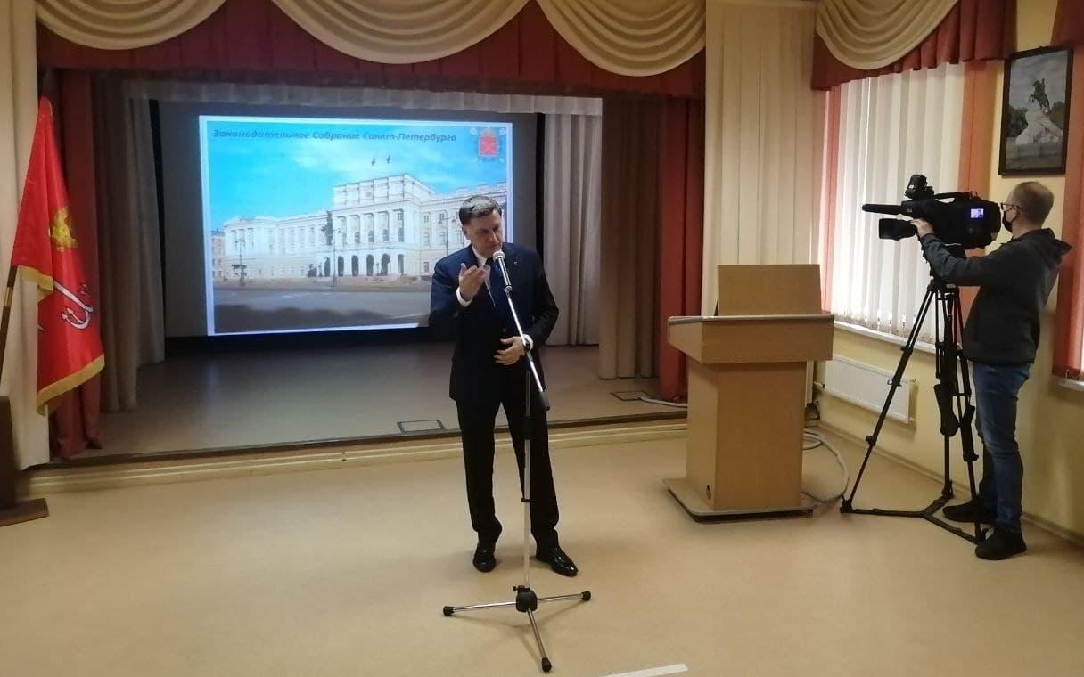 """Макаров рассказал школьникам о развале СССР """"из-за слабости Горбачева"""""""