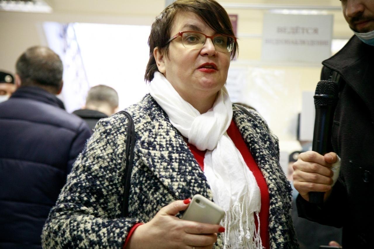 """Юлия Галямина приехала поддержать в суде экс-депутата МО """"Финляндский округ"""" Уткину"""