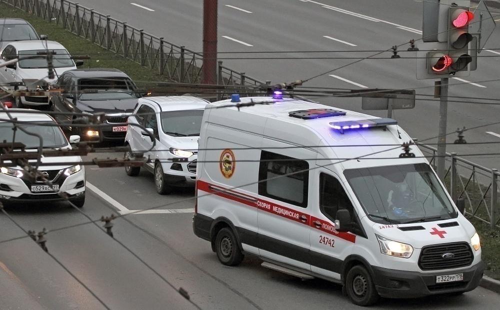 В России выявили еще 10,5 тысяч случаев COVID-19, в Петербурге – 937