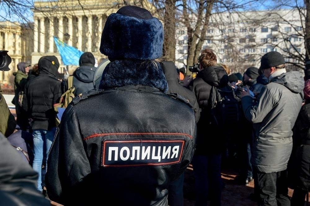 """фото ЗакС политика Главу полиции Нижневартовска уволили после урока со школьниками-""""силовиками"""" и """"протестующими"""""""