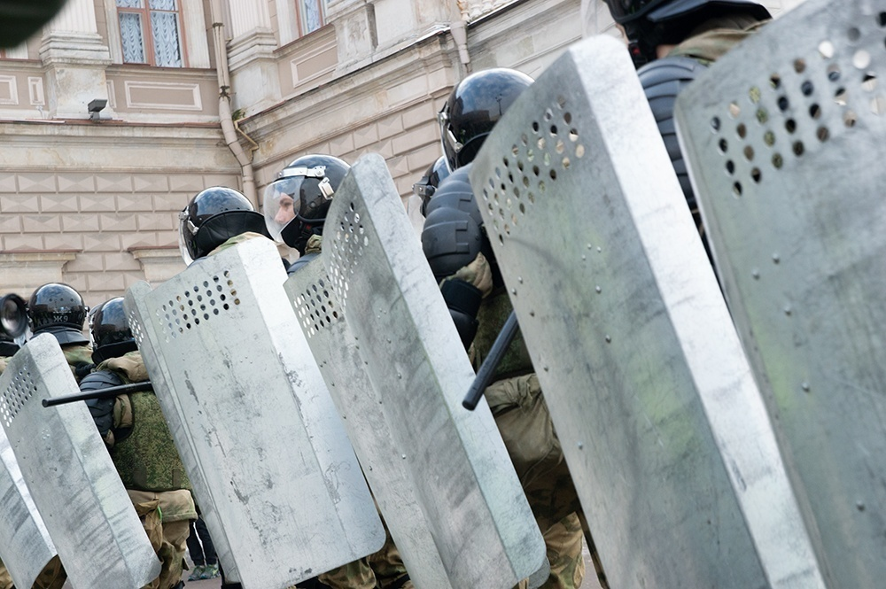 """фото ЗакС политика Подростка из Ульяновска будут судить за """"удар по руке"""" росгвардейца на протестах 23 января"""