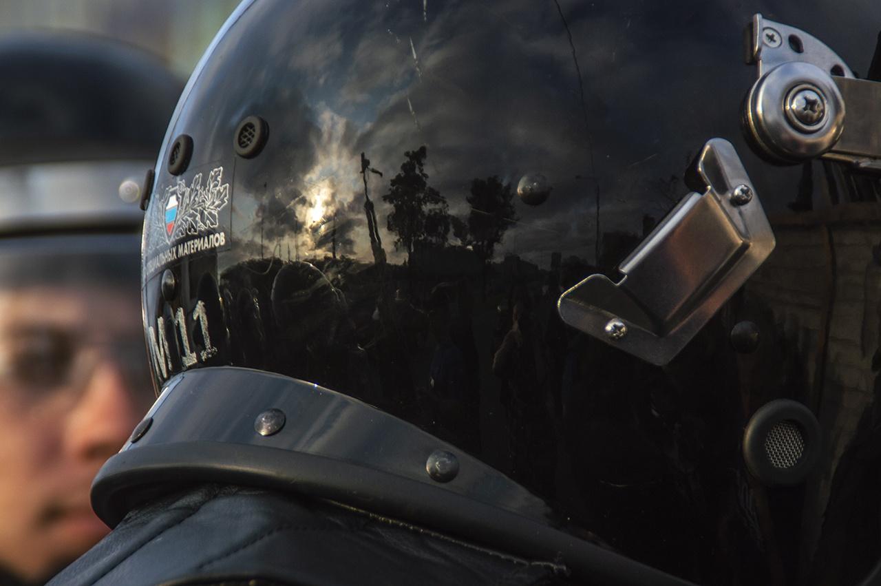 """Силовики силой разгоняют протестующих у СИЗО """"Матросская тишина"""", где содержится Навальный"""