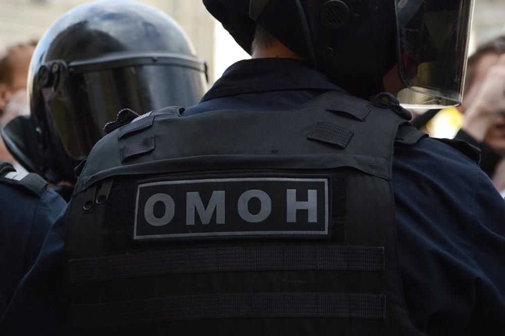 Юлию Навальную отпустили из отдела полиции, жесткие задержания в Москве продолжаются