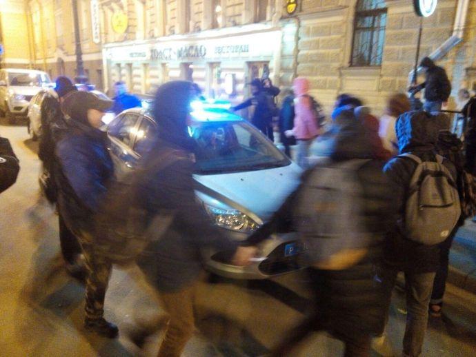 ВПетербурге задержаны участники схода заотставку Медведева