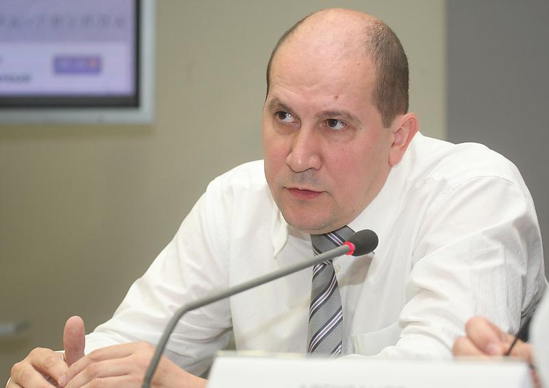 фото ЗакС политика В Петербурге кратно падает количество частных вузов