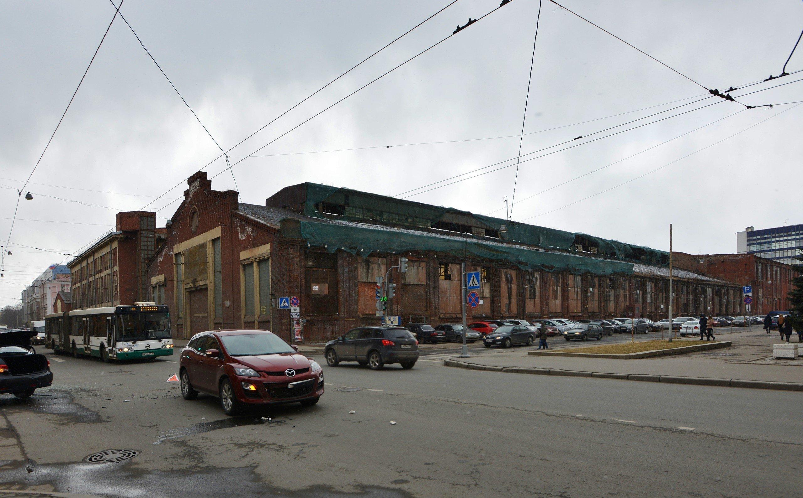 фото ЗакС политика КГИОП требует через суд отремонтировать дом-памятник на Выборгской стороне