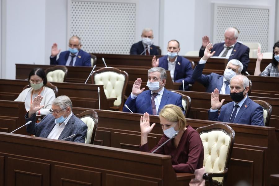 фото ЗакС политика Калининградские депутаты поменяли правила выборов главы города