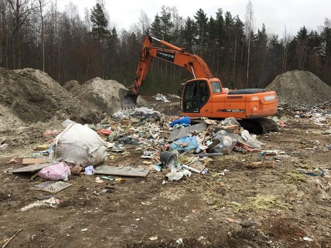 фото ЗакС политика Ущерб от свалок за северной частью КАД оценили в 12 млрд рублей