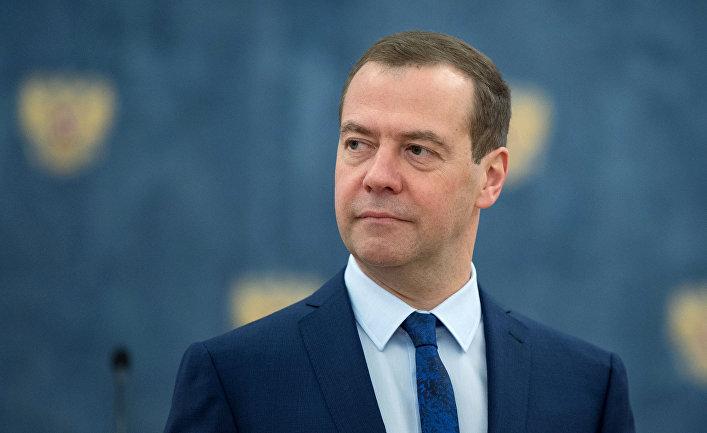 фото ЗакС политика В День России Twitter Медведева взломали хакеры