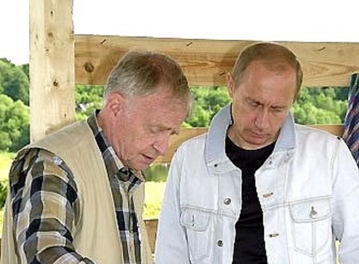 Скончался известный археолог и градозащитник Анатолий Кирпичников