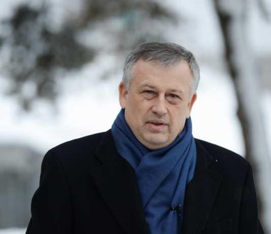 фото ЗакС политика В 2018-м году Дрозденко стал богаче на 1,2 млн рублей