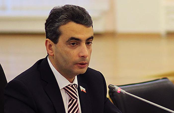 фото ЗакС политика Шлосберг объяснил псковским депутатам исключительную ценность выборов