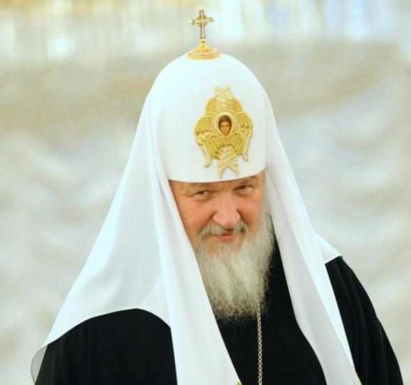 В Киришах нарядившийся священником человек украл 3 млн рублей