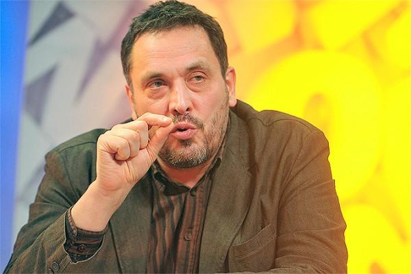 """фото ЗакС политика Максим Шевченко считает """"пытками"""" повторные задержания политиков у стен спецприемников"""