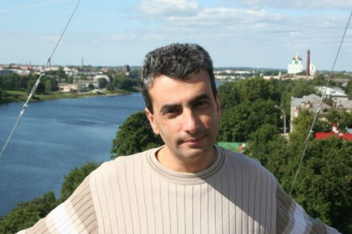 фото ЗакС политика Шлосберг: В глазах власти ценность жизни россиянина равняется прожиточному минимуму