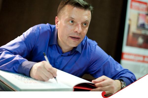 """фото ЗакС политика Парфенов категорически отказывается верить в вину журналиста """"Медузы"""""""