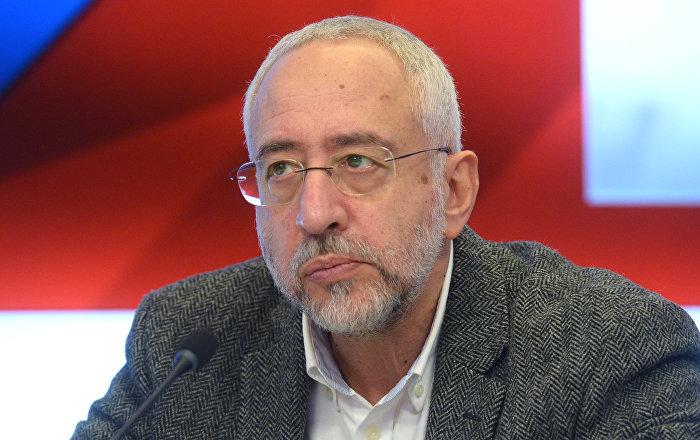 фото ЗакС политика Сванидзе выступил с похвалой в адрес главы СПЧ Федотова