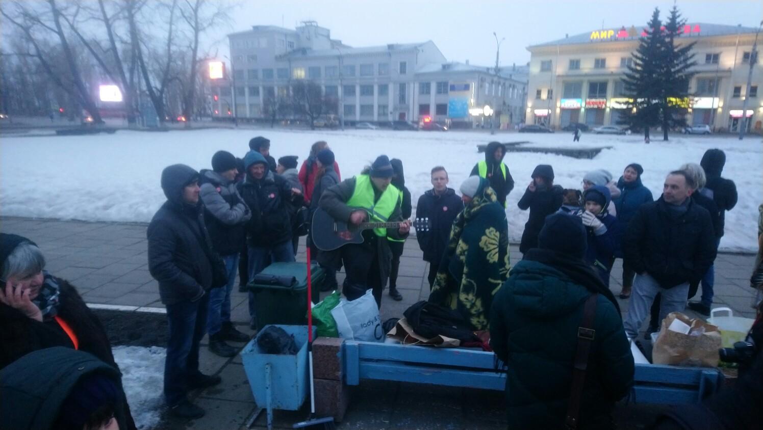 фото ЗакС политика В Архангельске продолжается бессрочный протест против завоза московского мусора