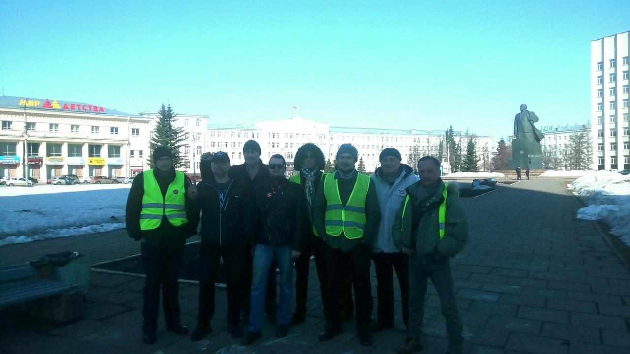 "фото ЗакС политика В знак солидарности с активистами Шиеса ярославцы объявили свою ""экобессрочку"""