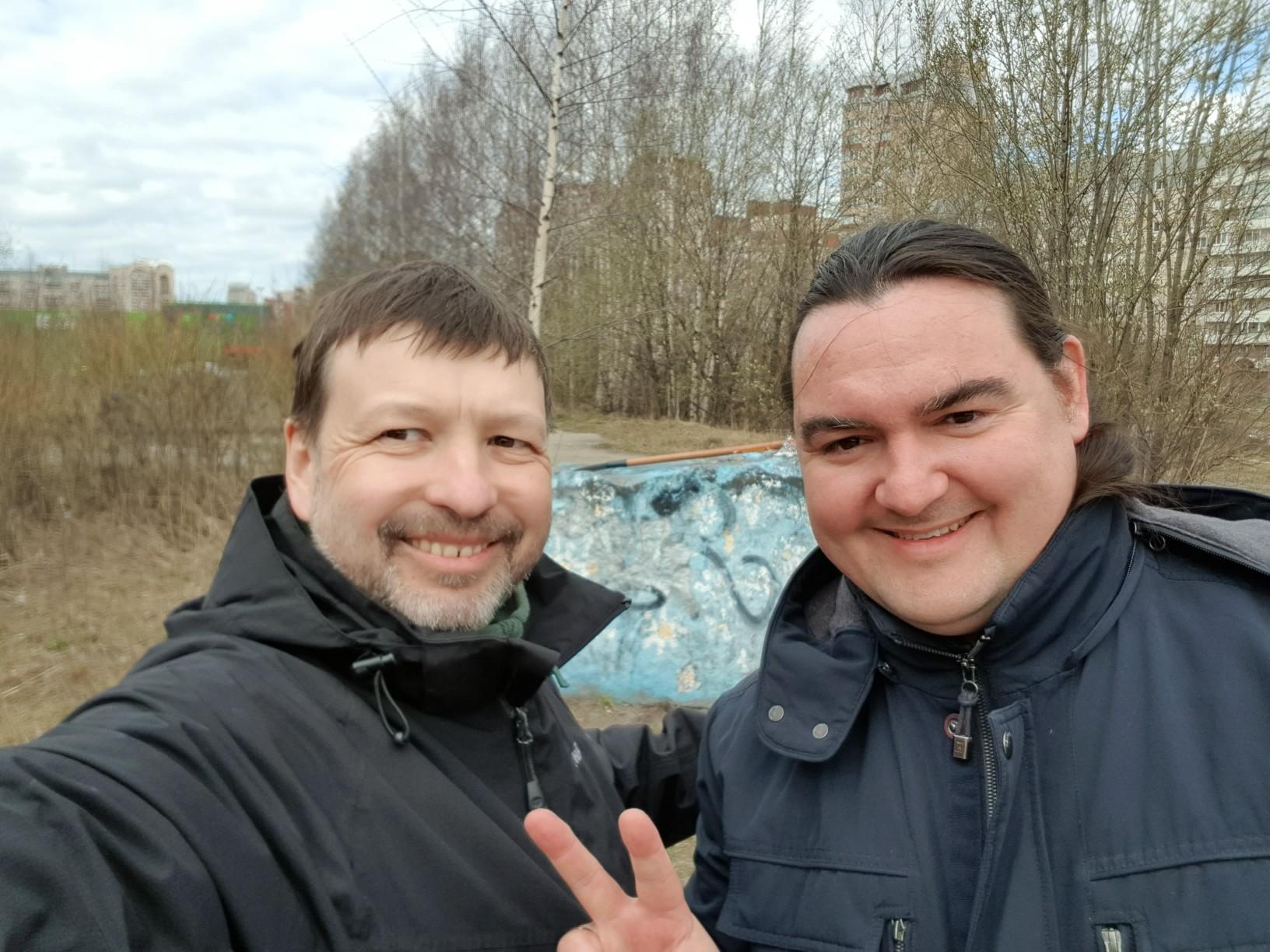 "фото ЗакС политика ""Красивый Петербург"" прибрался в проблемном сквере на Савушкина"