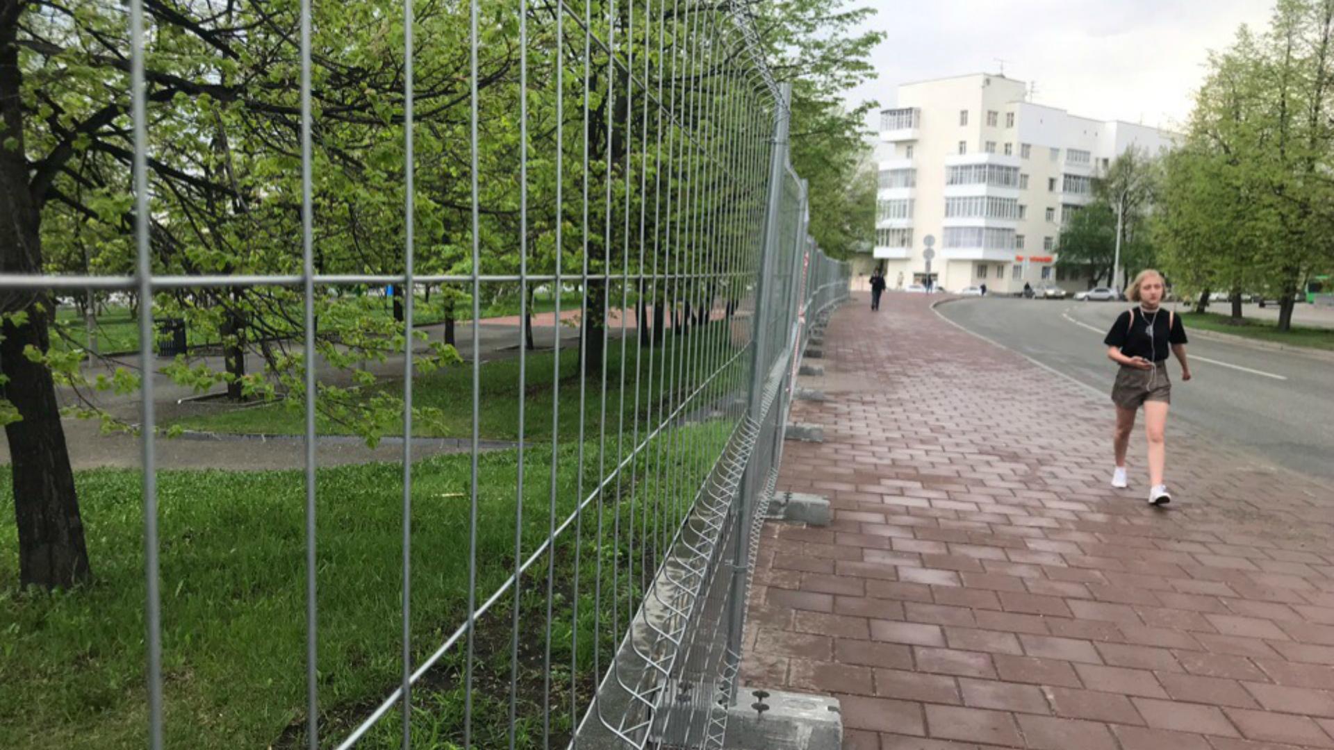 фото ЗакС политика Куйвашев заверил екатеринбуржцев: Церковь в сквере строить не станут