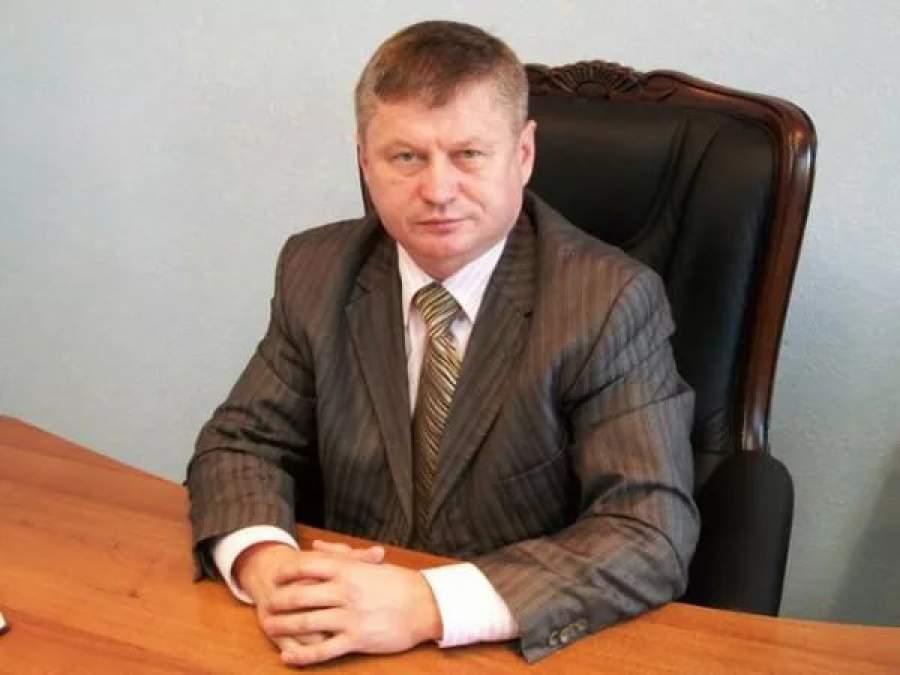 фото ЗакС политика Чиновник из Хакасии напал на тележурналиста