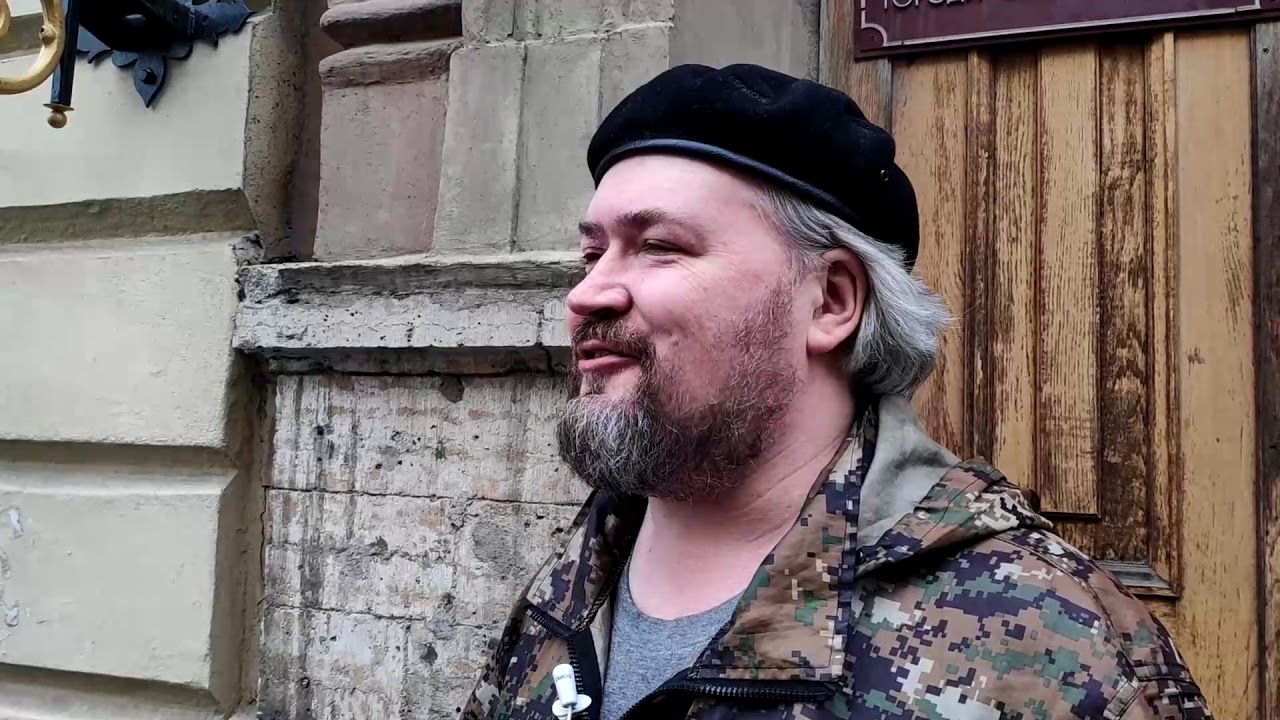 "фото ЗакС политика ""Сказочный пудинг"" на площади Ленина собрал несколько десятков петербуржцев"