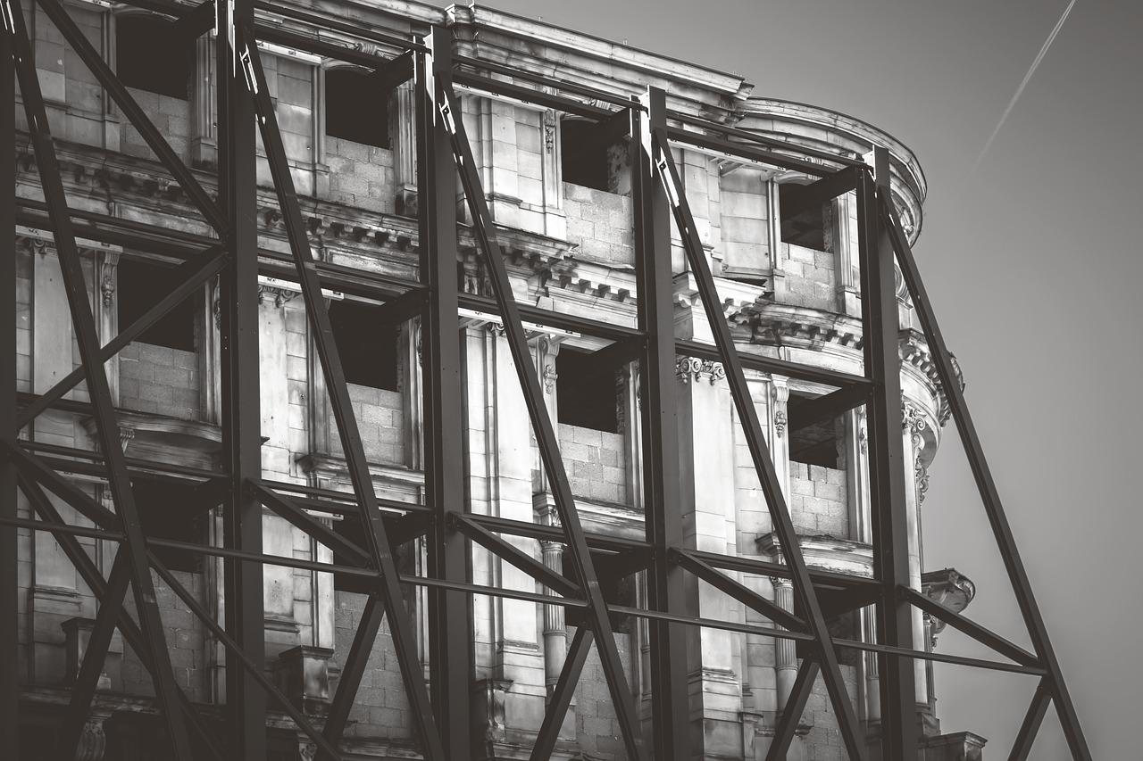 К концу года проведут капитальный ремонт 200 жилых домов Петербурга