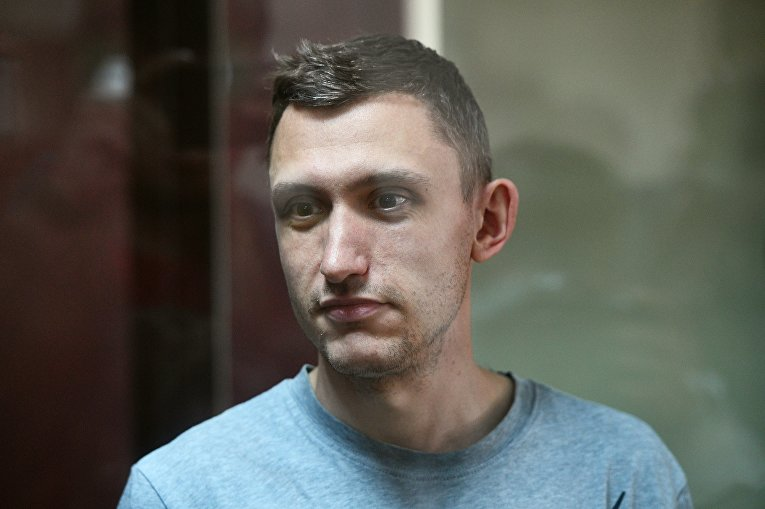 """фото ЗакС политика Путин поручил проверить законность приговора посаженному по """"дадинской"""" статье Котову"""