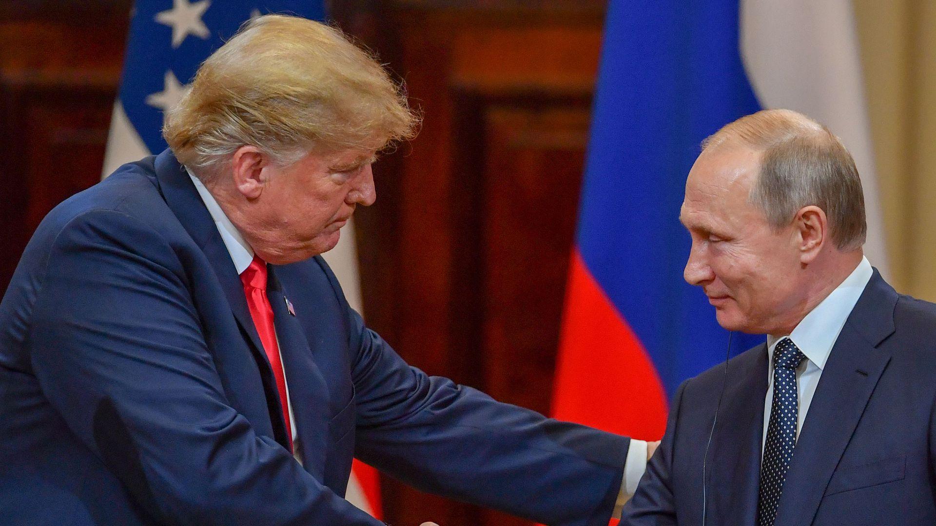 фото ЗакС политика Путин считает, что Трампу мешает полноценно дружить с Россией ситуация внутри США