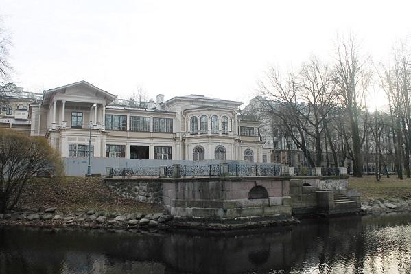 фото ЗакС политика В Петербурге восстановили деревянную дачу Громова XIX века