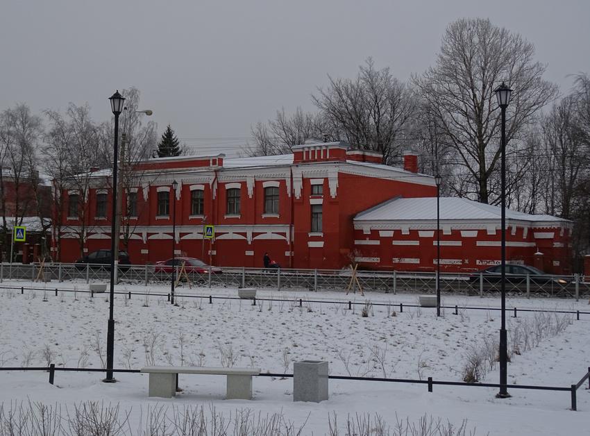 фото ЗакС политика КГИОП предложили снять с охраны здание-памятник в Кронштадте