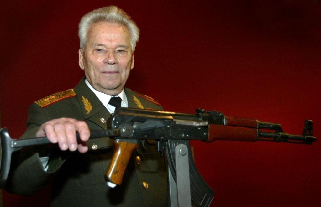 фото ЗакС политика В Петербурге появится памятник Калашникову