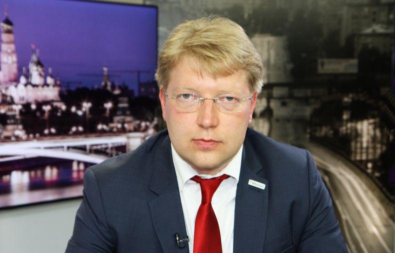 "фото ЗакС политика Николая Рыбакова избрали новым председателем ""Яблока"""