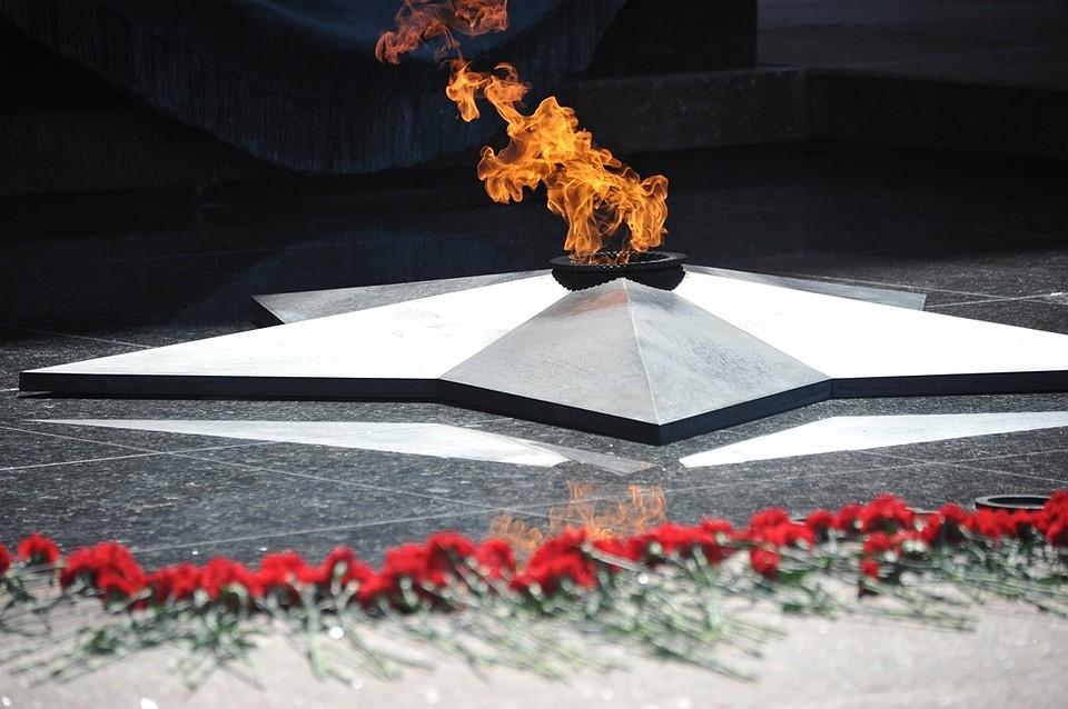 фото ЗакС политика Под Псковом нашли массовое захоронение убитых нацистами детей