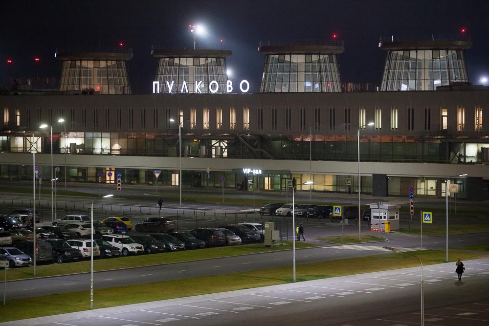 фото ЗакС политика СМИ: С 4 апреля РФ полностью закрывает международное авиасообщение