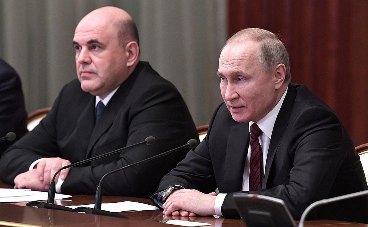 фото ЗакС политика Муниципалы двух столиц требуют у Путина и Мишустина прямых выплат населению