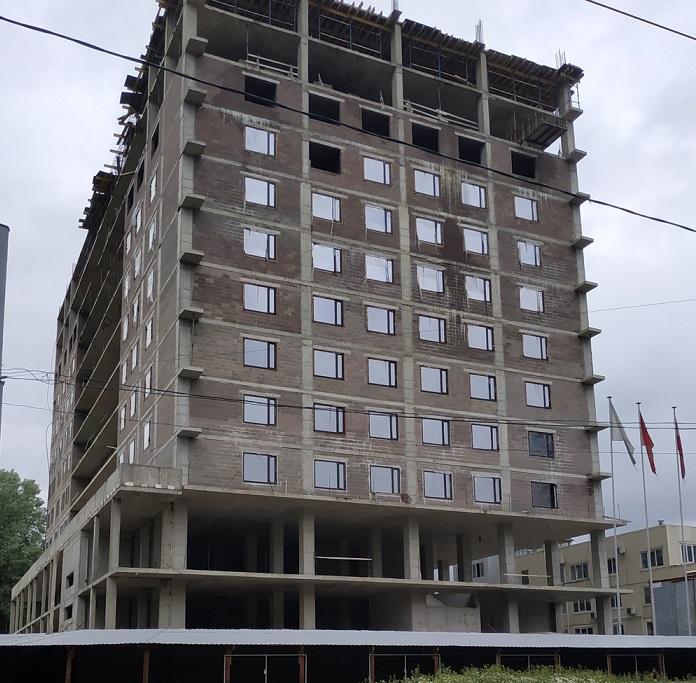 фото ЗакС политика Строящийся апарт-отель на площади Мужества оставят 12-этажным