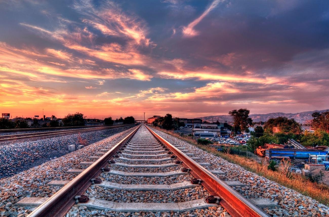 фото ЗакС политика Под Мурманском военные помогают проложить новый железнодорожный путь