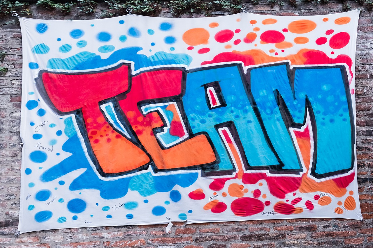 фото ЗакС политика В КГА пригласили граффитистов