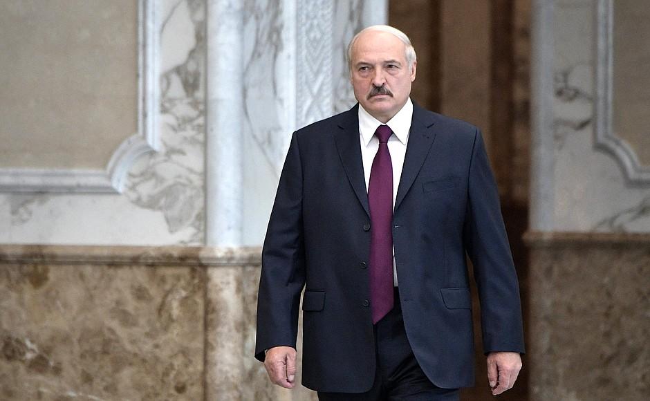 """фото ЗакС политика Лукашенко предложил сформировать и вооружить народные дружины - """"летучие отряды"""""""