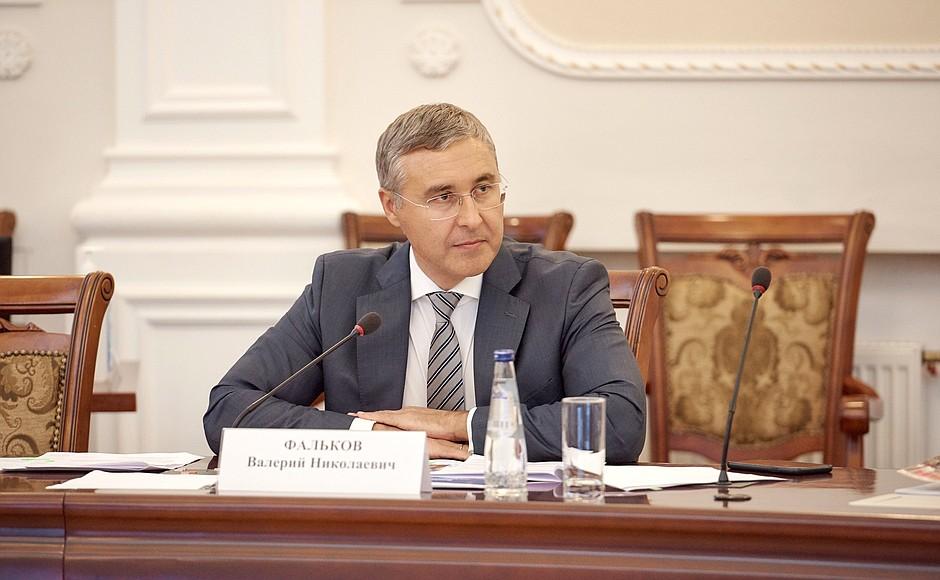 В России снизили стоимость платного обучения в вузах