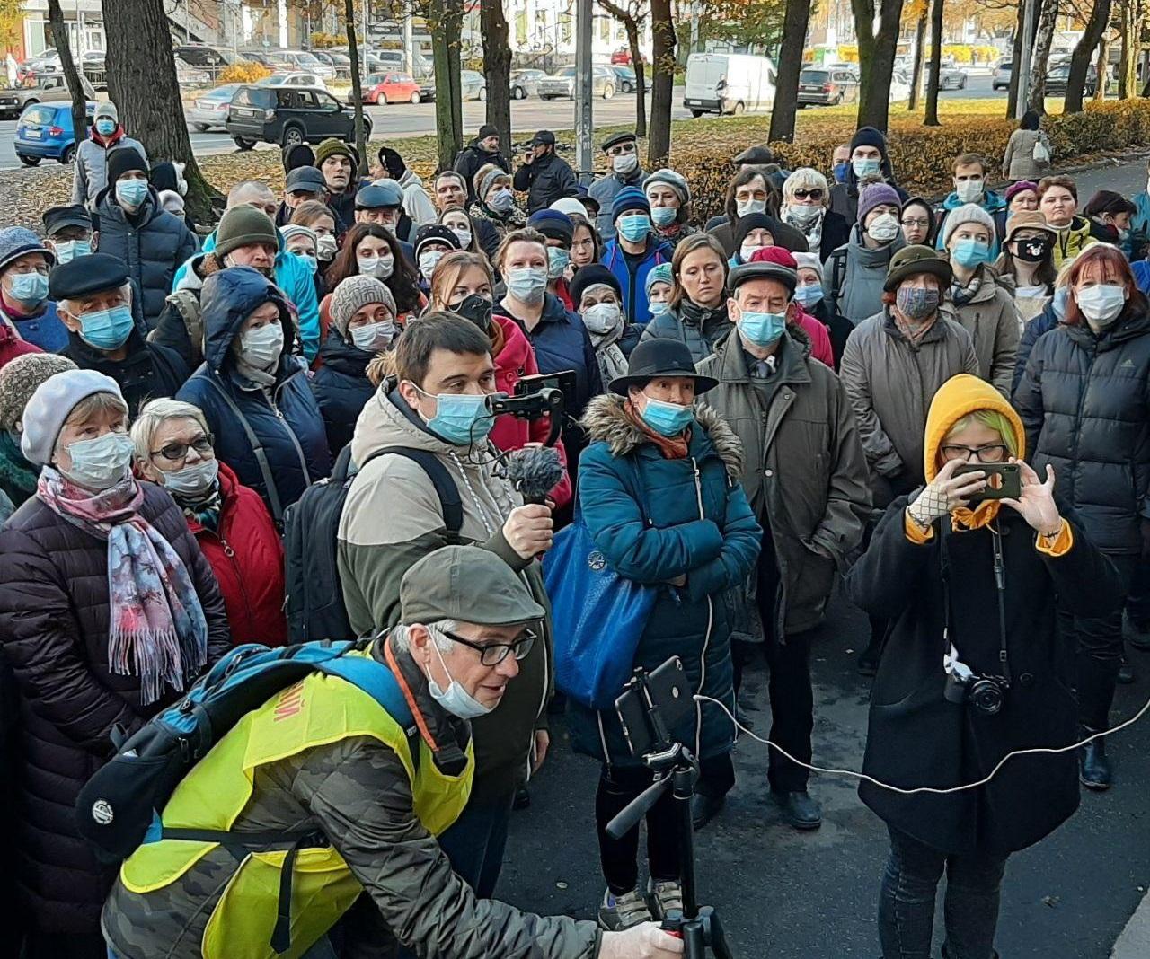 фото ЗакС политика Петербуржцы снова встали на защиту здания ВНИИБ, протестуя против его сноса