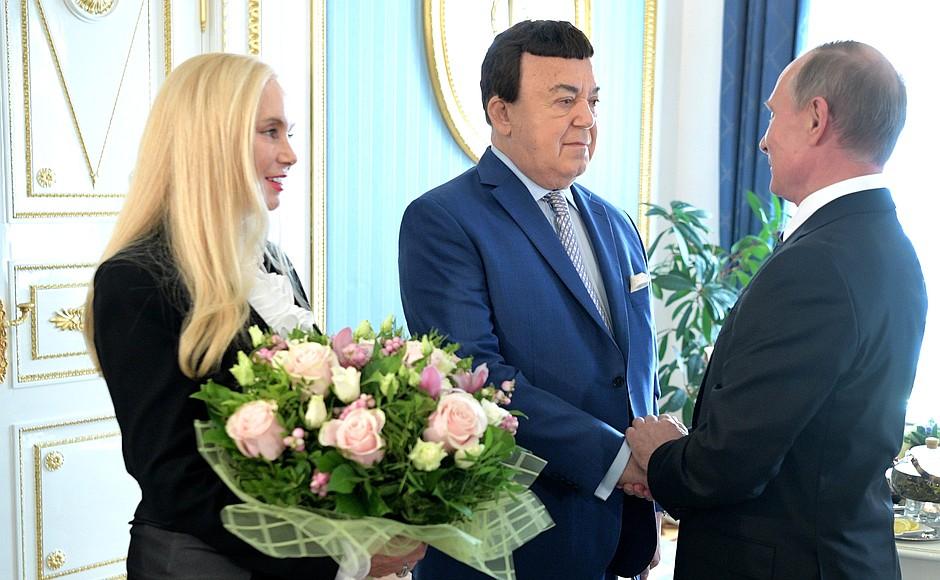 фото ЗакС политика Московская мэрия готова потратить 52 млн рублей на памятник Кобзону