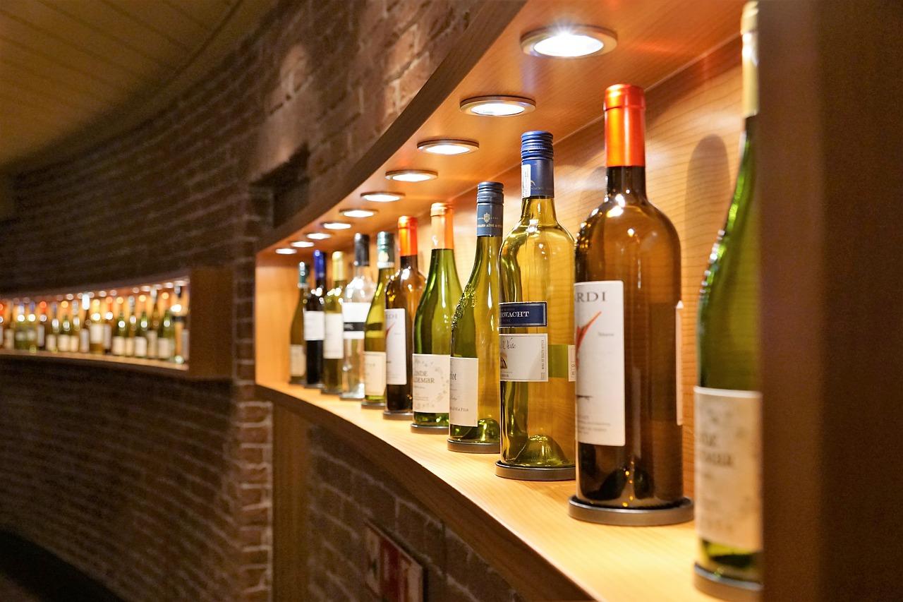 фото ЗакС политика В торгово-промышленной палате посчитали прибыль от продления времени продажи алкоголя