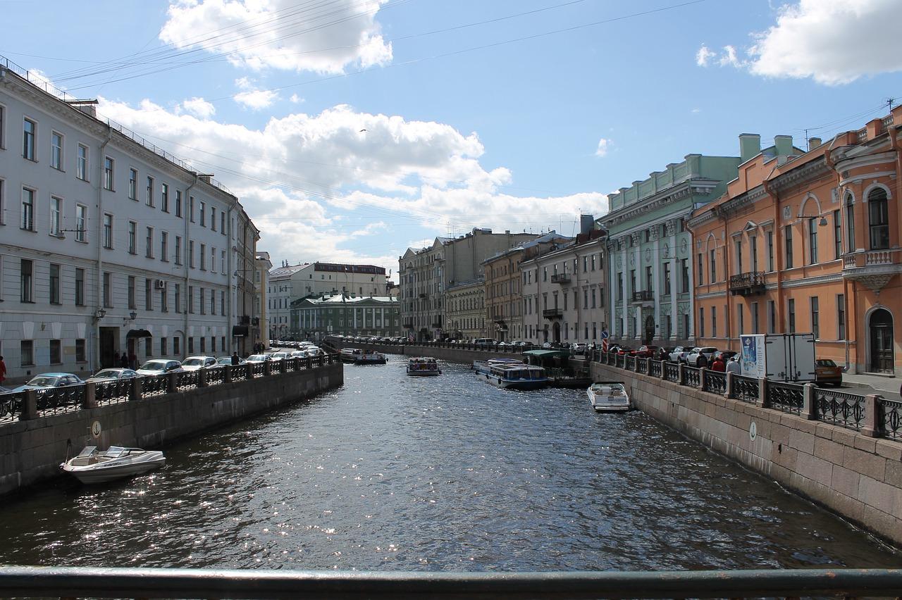 фото ЗакС политика До конца года в Петербурге завершат капремонт трех центральных набережных