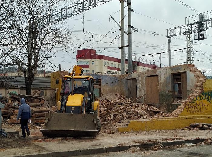 фото ЗакС политика КГИОП судится с РЖД из-за снесенного здания на Днепропетровской улице