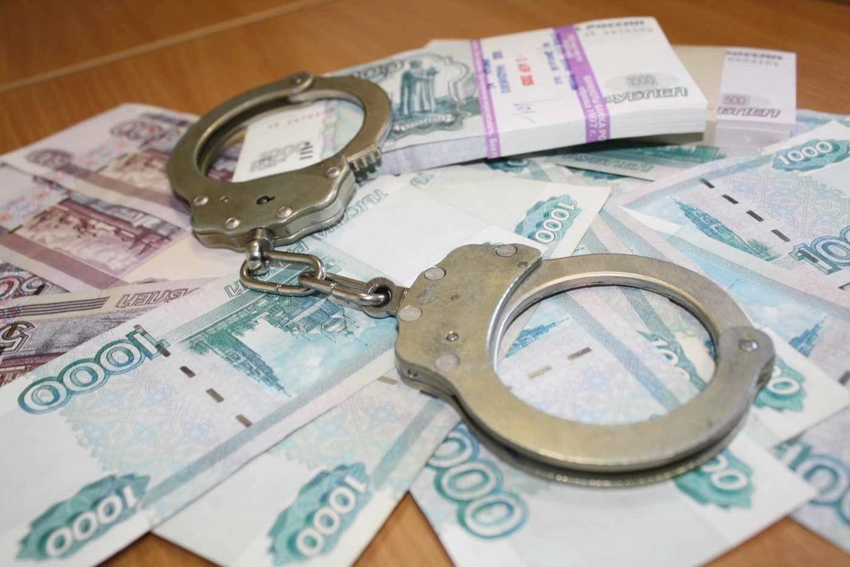 фото ЗакС политика Глава администрации МО Смольнинское объясняется со следователями